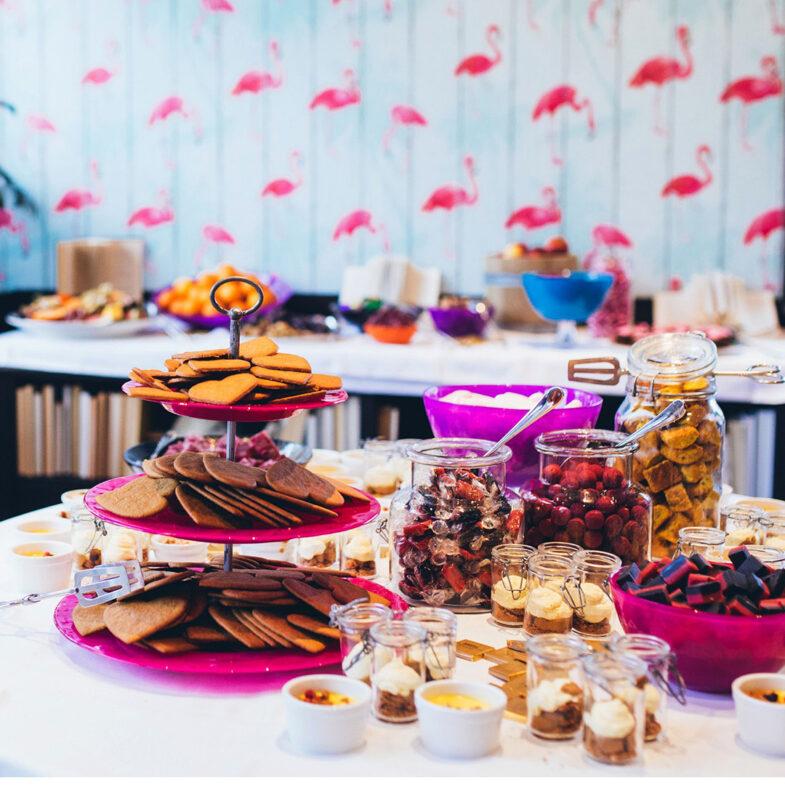Julbord med desserter.